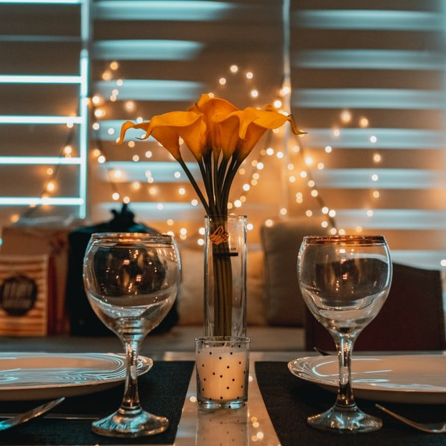Cena Romántica en un Hotel